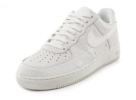 Chaussures Nike Air Force 1 07 LV8 Snake blanche vue avant