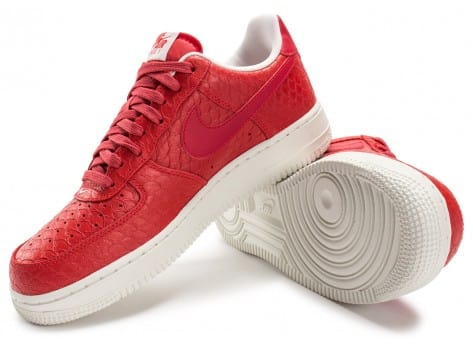Chaussures Nike Air Force 1 07 LV8 Snake rouge vue intérieure