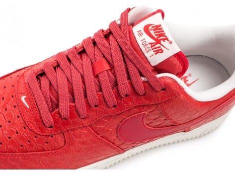 Chaussures Nike Air Force 1 07 LV8 Snake rouge vue dessus