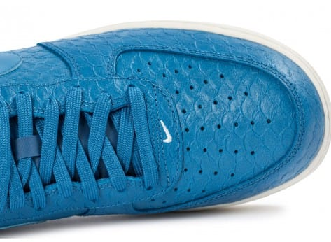 Chaussures Nike Air Force 1 07 LV8 bleue vue dessus