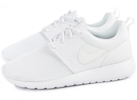 Chaussures Nike Roshe One Junior blanche vue extérieure