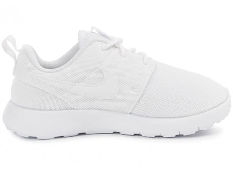Chaussures Nike Roshe One Enfant blanche vue dessous