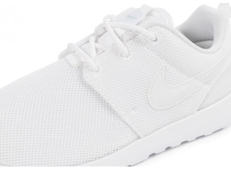 Chaussures Nike Roshe One Enfant blanche vue dessus