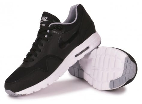 Chaussures Nike AIR MAX 1 ULTRA ESSENTIALS NOIRE vue intérieure