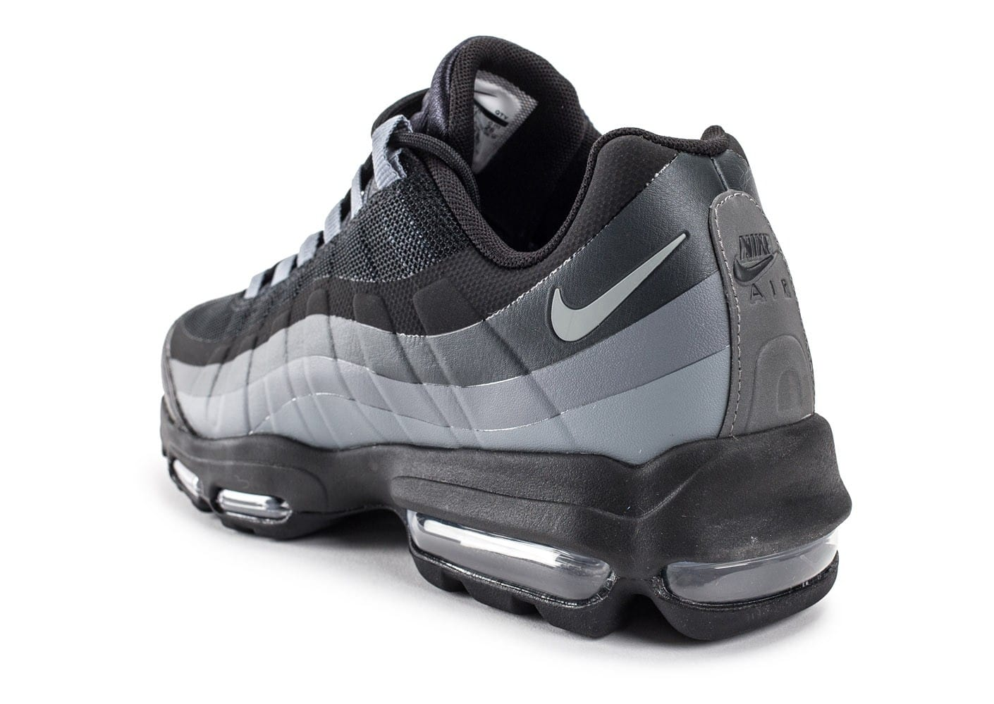 nike air max 95 ultra essential noire chaussures homme chausport. Black Bedroom Furniture Sets. Home Design Ideas