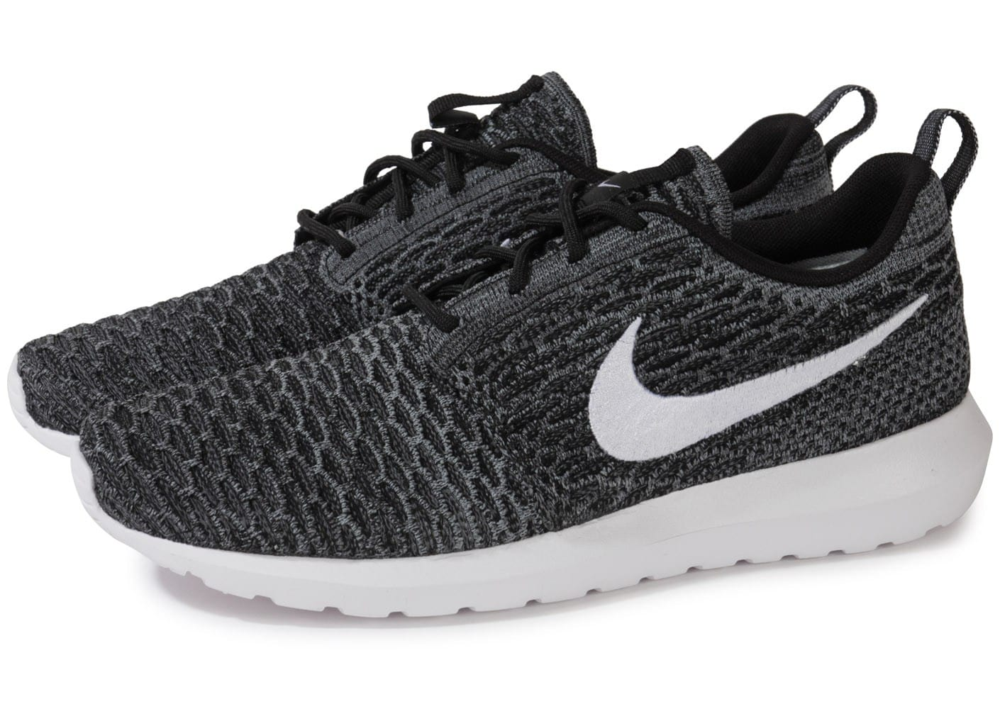 nike roshe run flyknit noire et blanche chaussures homme chausport. Black Bedroom Furniture Sets. Home Design Ideas