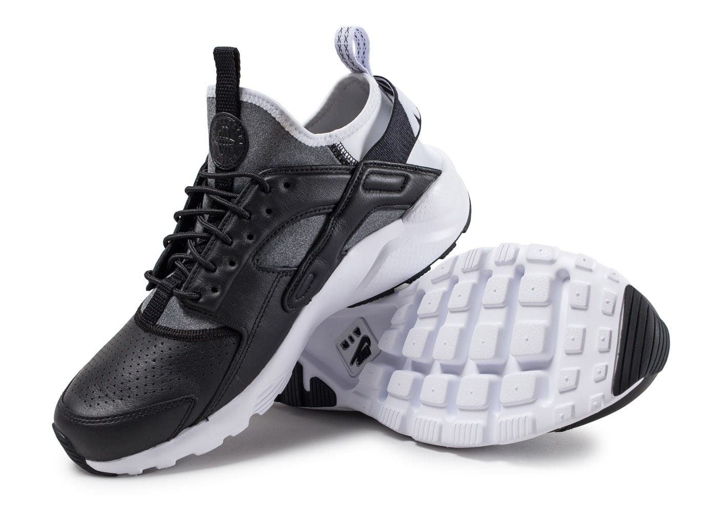 competitive price 76d1c 74670 Nike Air Huarache Ultra noire et blanche - Chaussures .