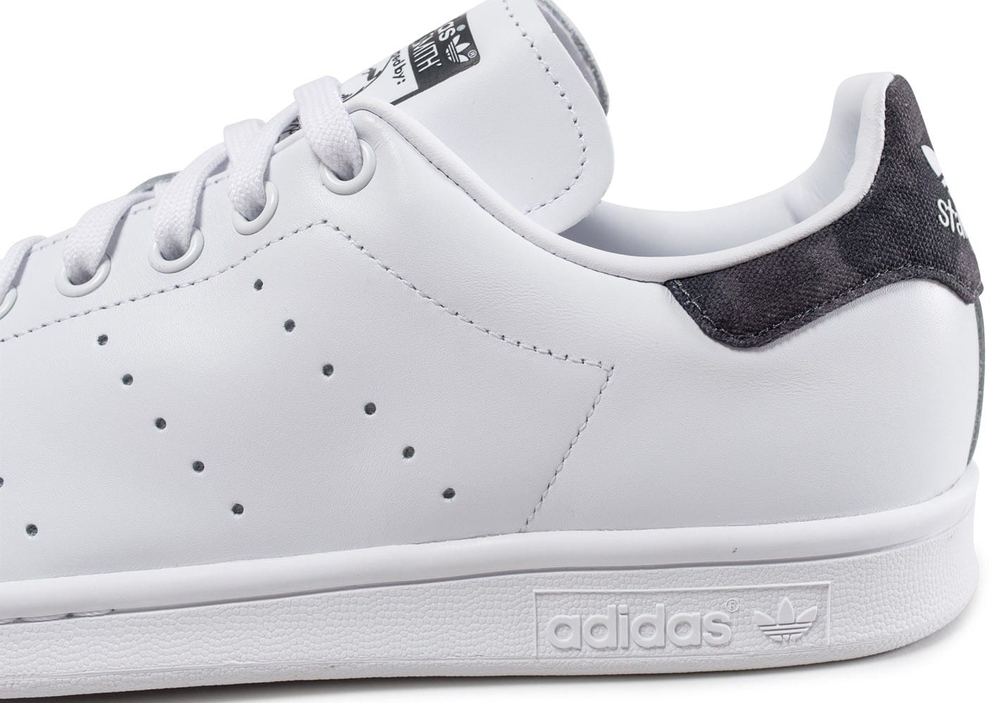 adidas stan smith blanche patch camouflage noir. Black Bedroom Furniture Sets. Home Design Ideas