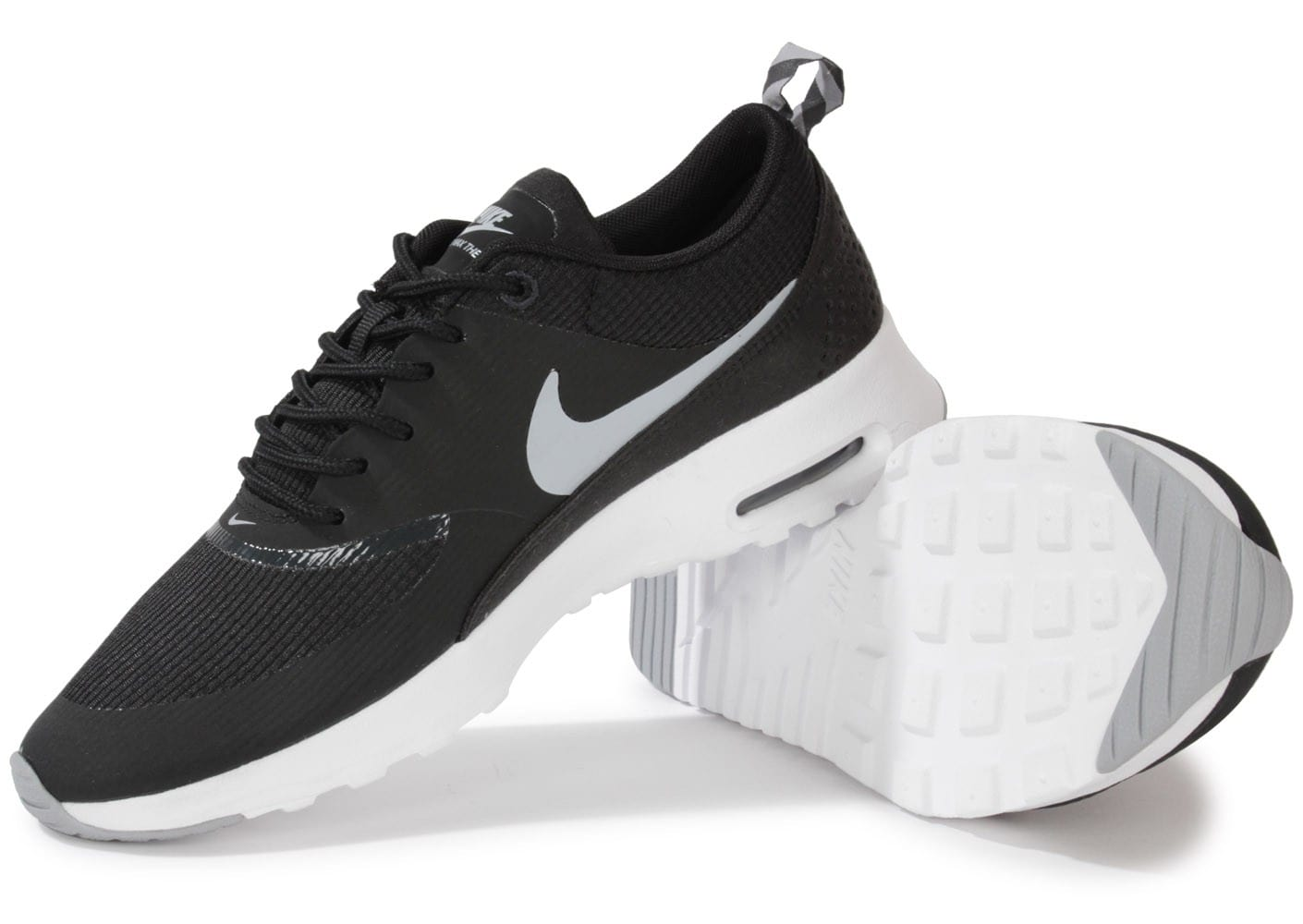 nike air max thea noire blanche chaussures chaussures. Black Bedroom Furniture Sets. Home Design Ideas