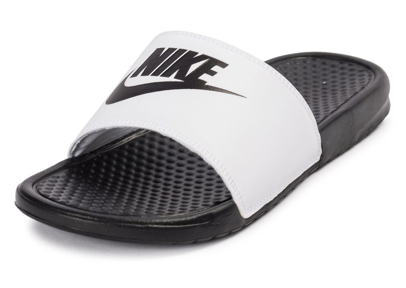nike benassi d pareill e blanche et noire chaussures homme chausport. Black Bedroom Furniture Sets. Home Design Ideas