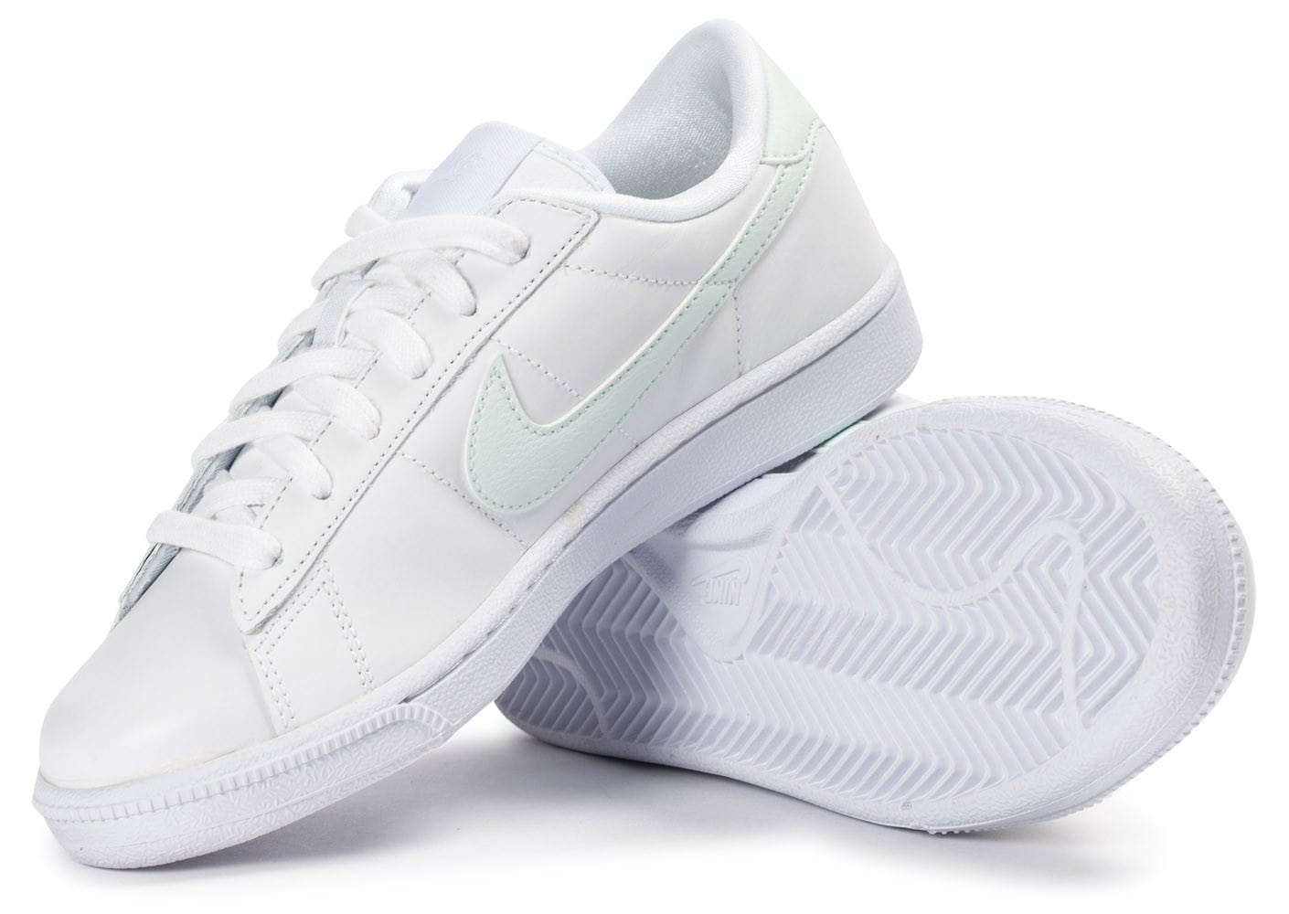 nike tennis classic blanche et vert eau chaussures toutes les baskets sold es chausport. Black Bedroom Furniture Sets. Home Design Ideas