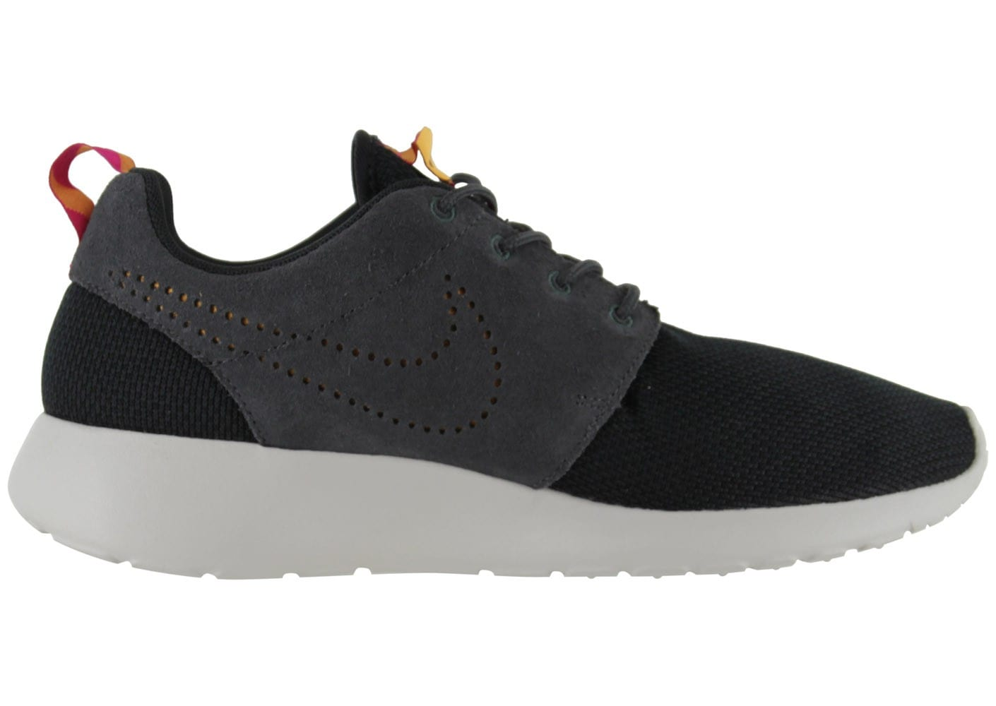 nike roshe run noire chaussures homme chausport. Black Bedroom Furniture Sets. Home Design Ideas