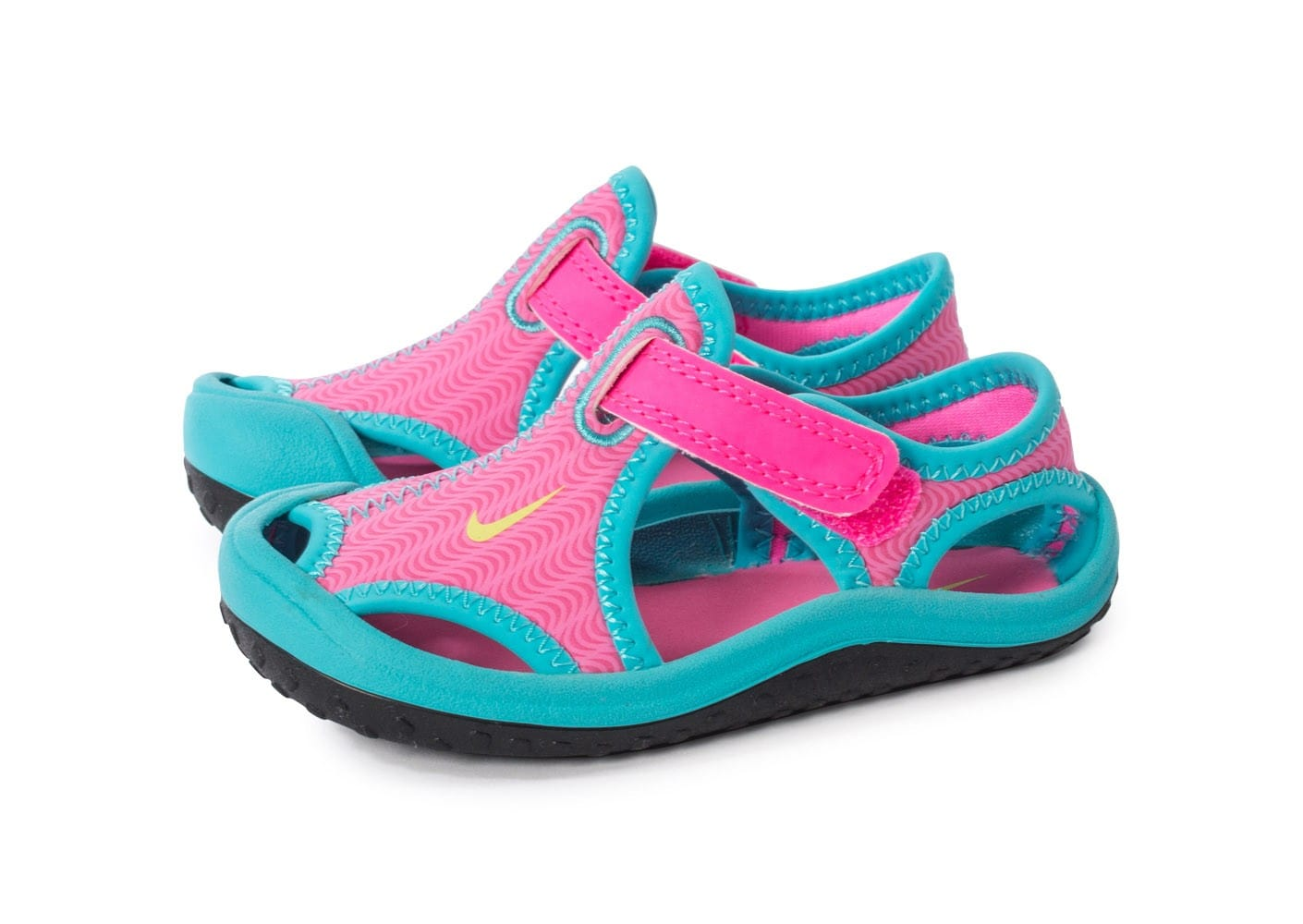 check out d9d02 5a71f ... chaussures nike sunray protect bebe rose vue par paire