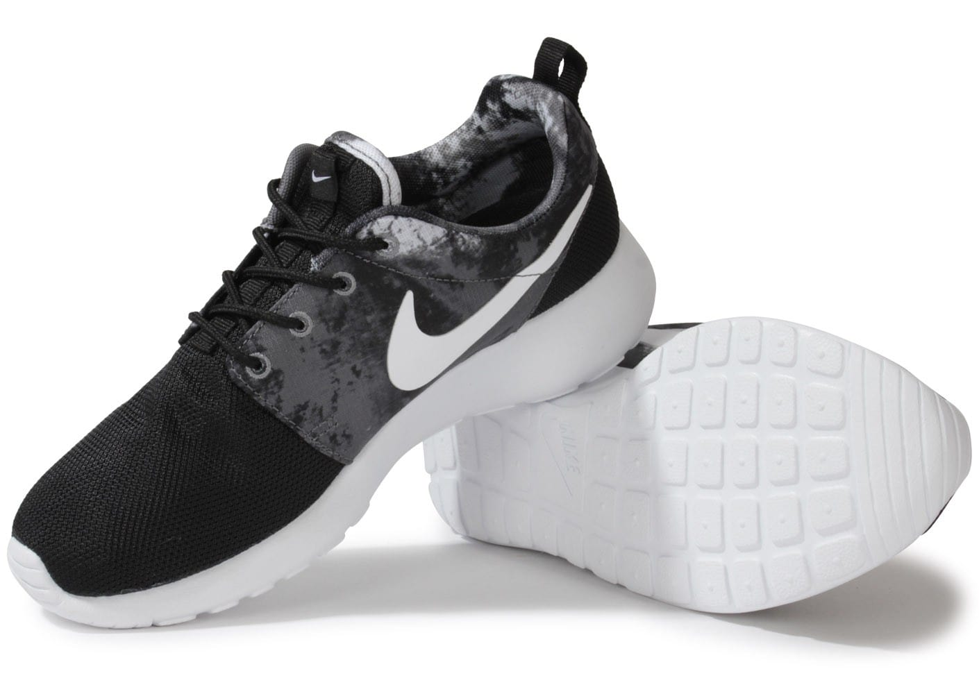 nike roshe run print noire chaussures chaussures chausport. Black Bedroom Furniture Sets. Home Design Ideas