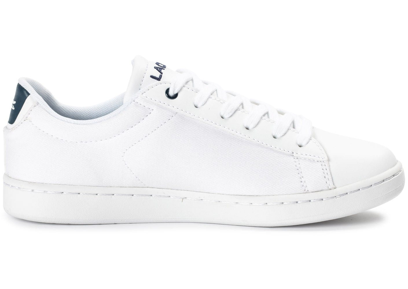 Lacoste carnaby evo junior textile blanche chaussures - Lacoste carnaby evo cls baskets en cuir perfore ...