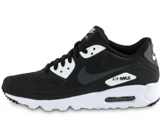 Chaussures Nike Air Max 90 Ultra Essential noire et blanche