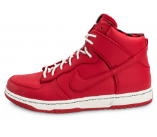 Chaussures Nike Dunk High Ultra Rain rouge