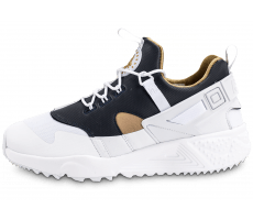 Chaussures Nike Huarache Utility Premium blanche et or