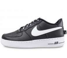 Chaussures Nike Air Force 1 LV8 NBA noire et blanche