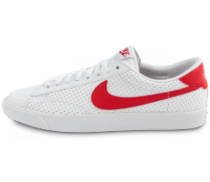 Chaussures Nike Tennis Perf blanche et rouge