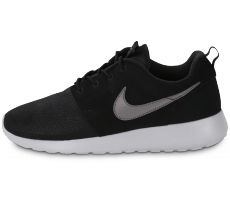 Chaussures Nike Roshe One noire et grise