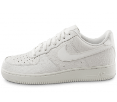Chaussures Nike Air Force 1 07 LV8 Snake blanche
