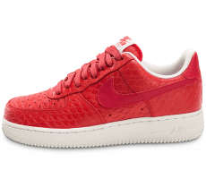 Chaussures Nike Air Force 1 07 LV8 Snake rouge