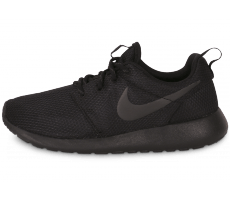 Chaussures Nike ROSHE RUN TRIPLE BLACK